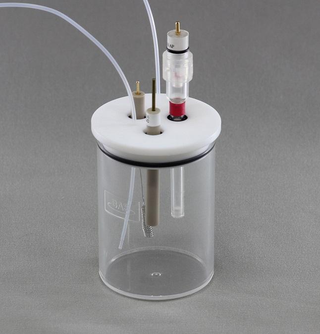 使用100 mL样品杯进行碱性溶液的循环伏安测量